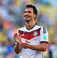 胡梅尔斯破门德国1比0法国 本泽马低头不语伤心回家