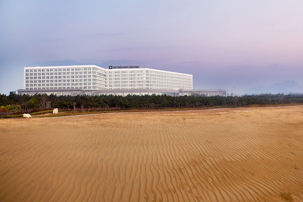 青岛银沙滩温德姆至尊酒店地址:山东省青岛市黄岛区银沙