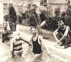 梅老板的泳装照