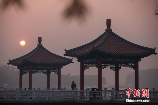 """中国入秋连中""""霾伏""""四大""""雾霾带""""渐显"""