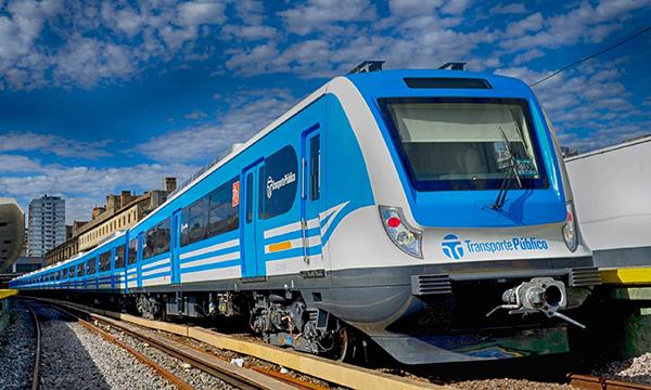 聚焦青岛2014经济版图 南车出口动车飞奔在阿根廷