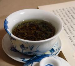 崂山茶淘宝店近千家 父母种茶儿女网上卖茶