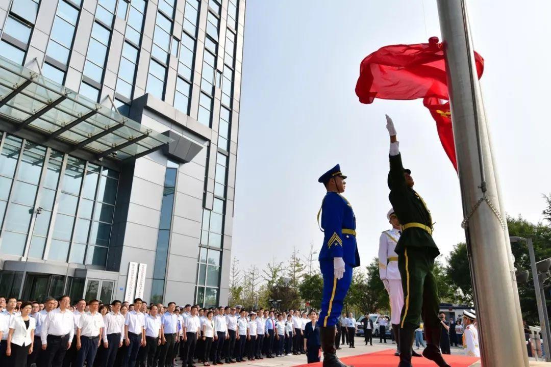 高新區多地舉行升國旗儀式慶祝國慶