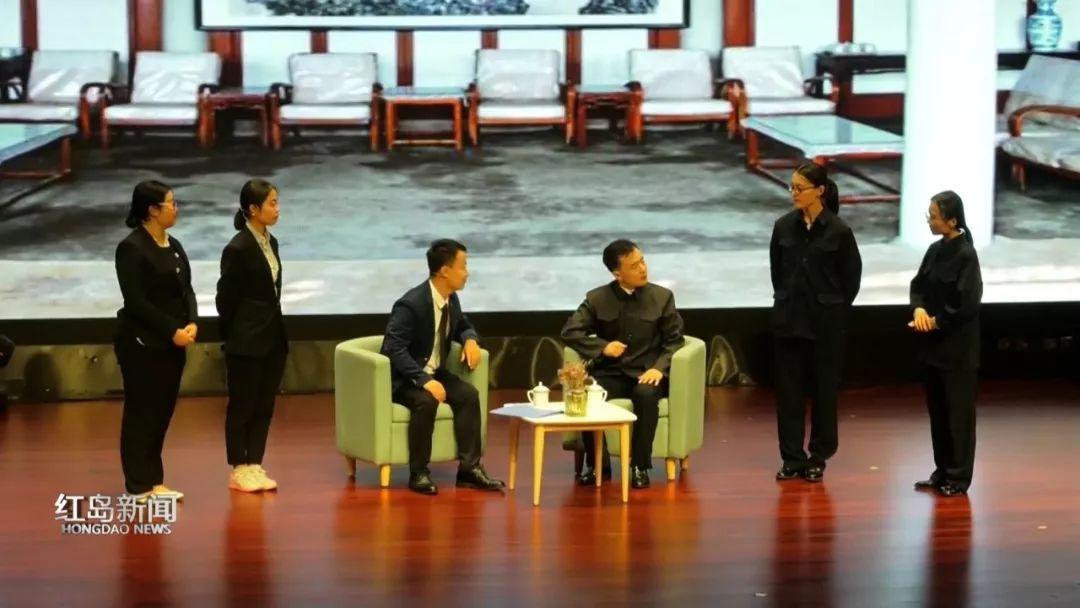 青島實驗學校戲劇節再現新中國七十年征程