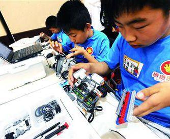 10岁娃独立做机器人