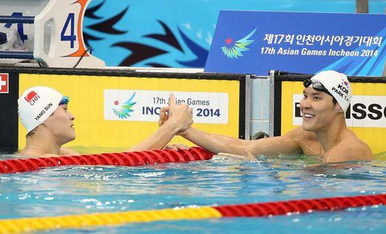 孙杨400米预赛第1晋级 决赛需小心日本黑马