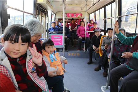 樱桃不愁卖了!公交开进樱桃园