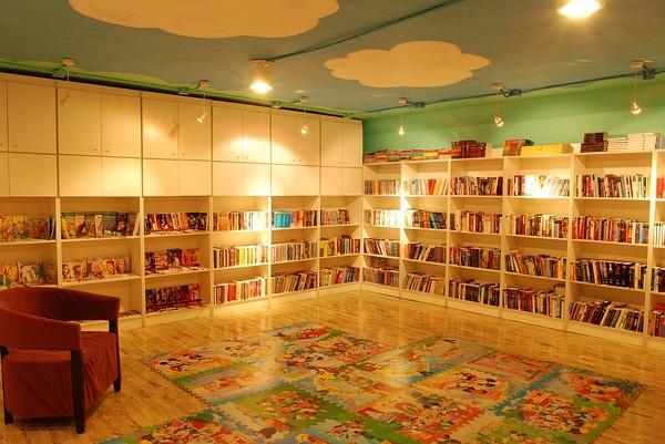 青岛特色书店:the book nook 一家优雅的外文书店
