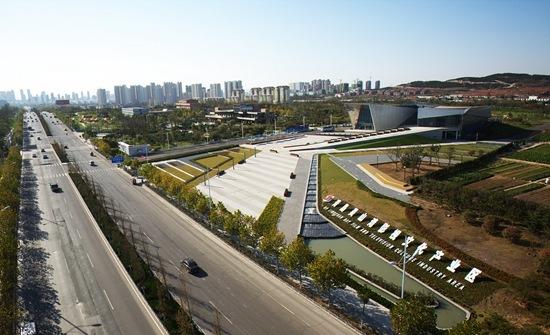 青岛西海岸新区一家基建企业,目前正参与灵山湾影视文化产业区工程