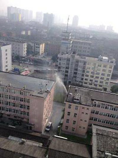 陕西汉中被指为降污染指数给监测仪喷水(图)