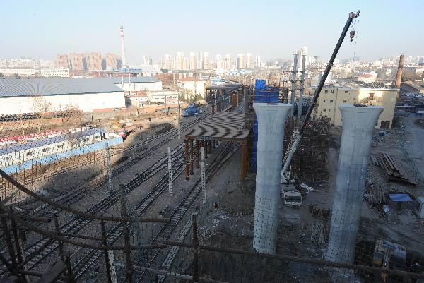 新疆路高架快速路主线年内通车