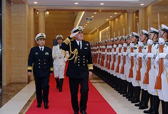 英国海军参谋长率团访问北海舰队