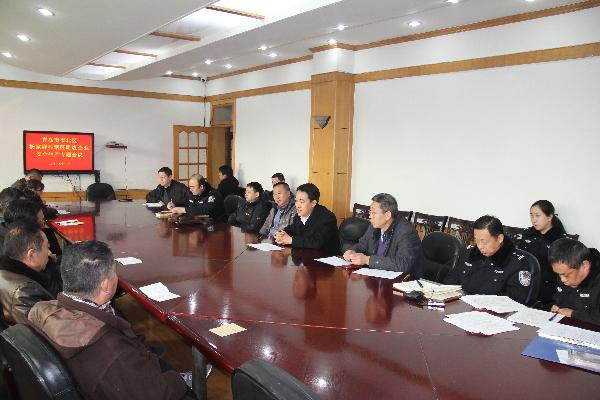 合肥路街道办事处到杨家群工贸总公司召开安全生产会