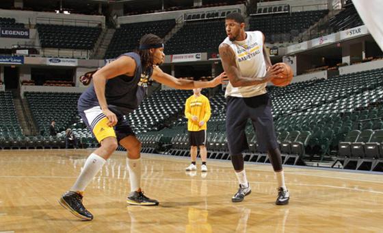 NBA断腿全明星恢复神速 与队友上演单挑车轮大战