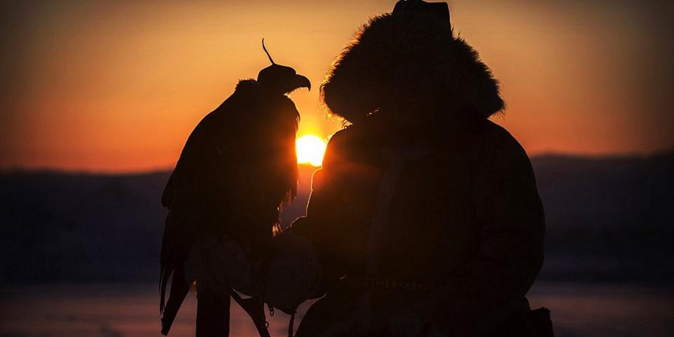 世界仅存马背上的金雕捕猎民族——哈萨克族