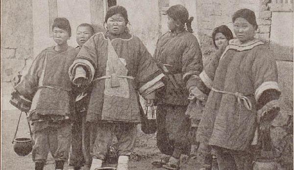 青岛珍贵老照片系列:镜头里的孩子(图)