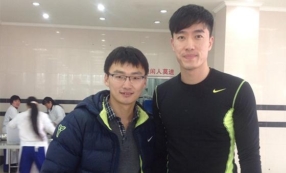 青报网记者曾餐厅邂逅刘翔 飞人14个月前仍在积极康复