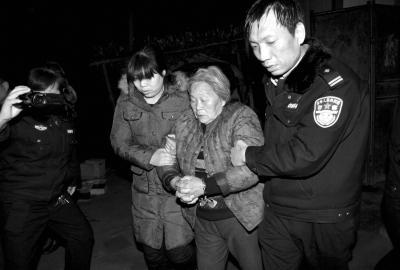 警方破跨省贩婴案:孕妇挺肚卖子 医生售出生证明