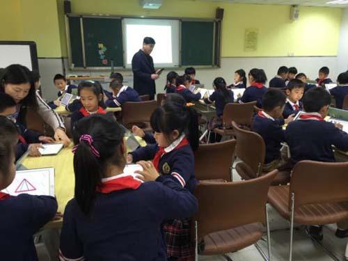 区总工会参加机关干部看教育发展活动