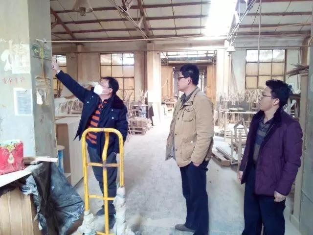 同和街道:安监办开展木质家具加工行业专项检查