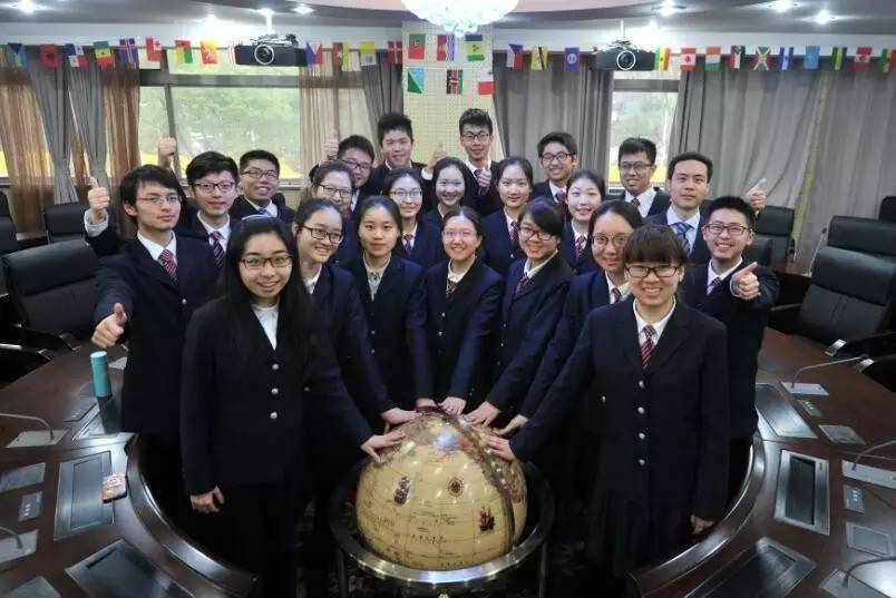 南京高中25人保送清北 其中有对学霸情侣