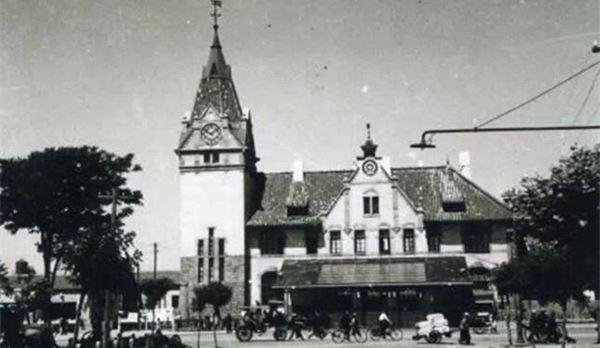 20世纪50年代青岛老照片:火车站 中山路