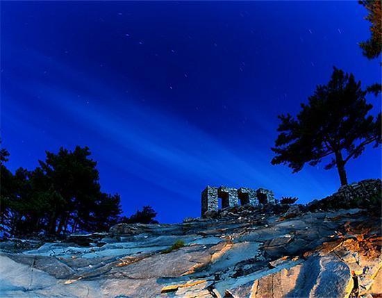 浪漫夜景(图源:@大别山主峰景区)