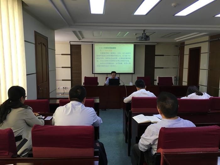 法制办组织区级行政执法人员年审考试培训