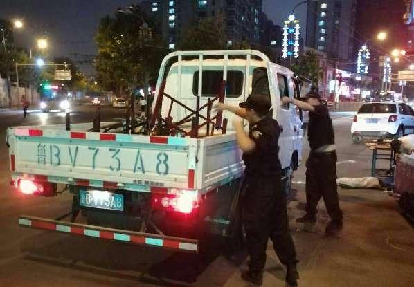 辽宁路街道开展清理整治露天烧烤和占路经营行动