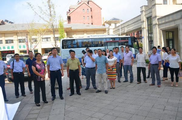 市委常委宣传部长刘波来我街道观摩文化建设情况