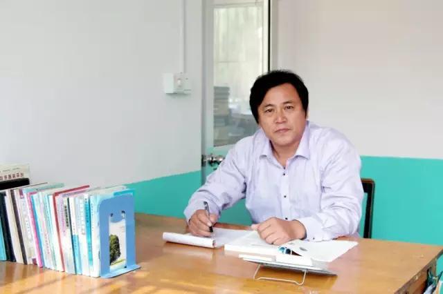 崔家集镇中庄中学优秀教师杨振德入选山东省特级教师