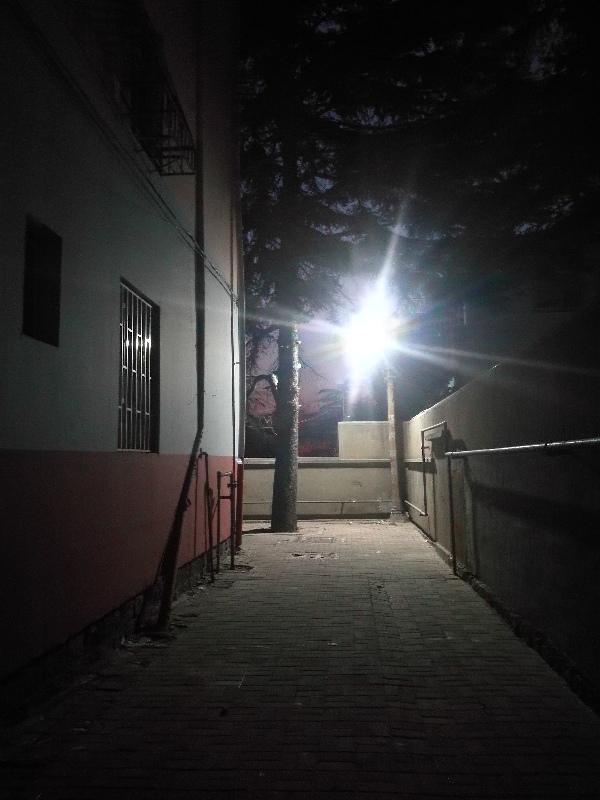 邢台路社区为民办实事照亮居民回家的路