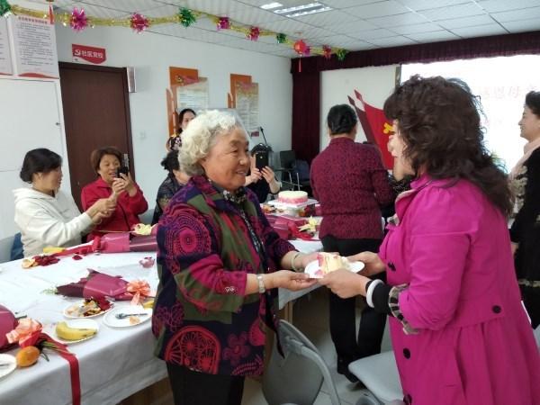 敦化路街道舉辦慶祝母親節系列活動