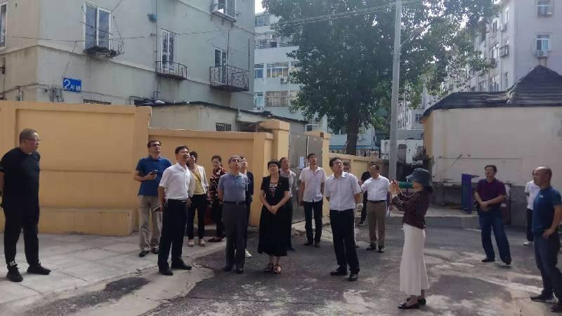 區城建局張兵建局長與國開總行領導到遼寧路街道調研棚改項目