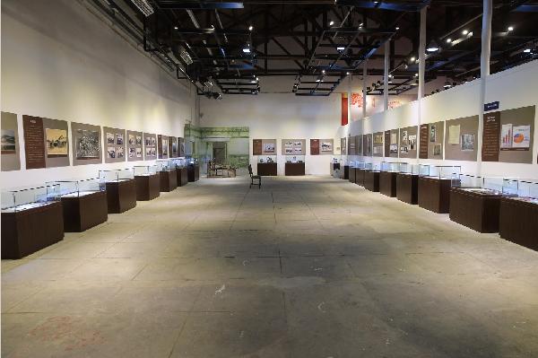 钟渊纱厂的誓约书,华新纱厂的商标,宣传标,老照片等,中纺时期的档案