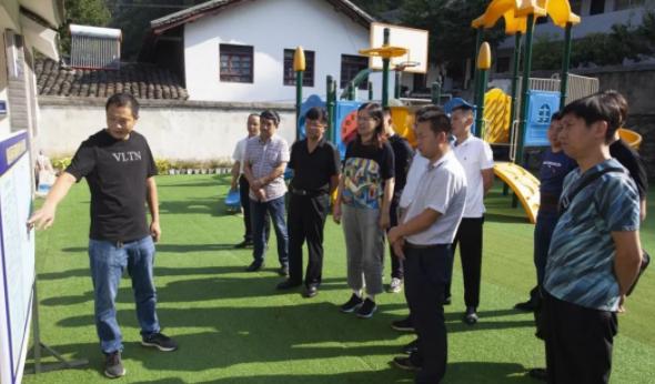 湘潭路街道組織人大代表赴康縣兩河鎮開展結對幫扶工作