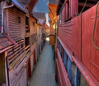 世界遗产之旅 流连保存完好的美丽小城