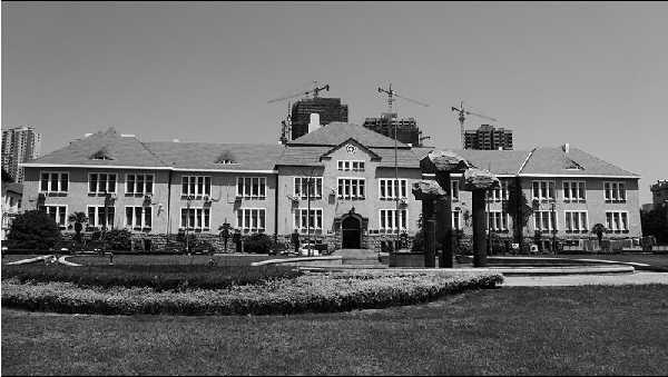 德华大学:毁于日德战争中的高等教育殿堂