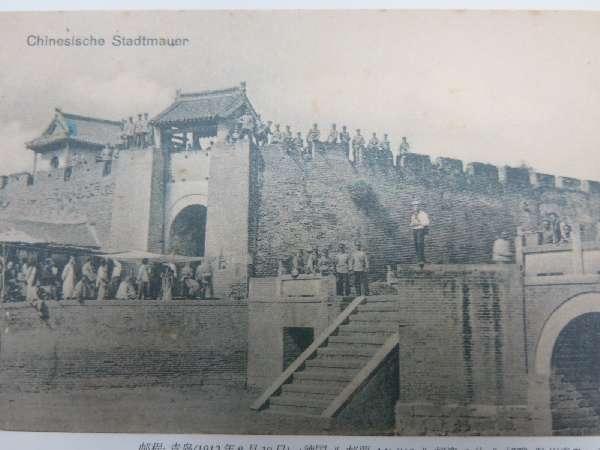 组图:即墨古城城墙 城外护城河 官人墓地