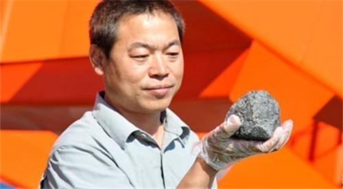 我国科学家在南极发现灶神星陨石