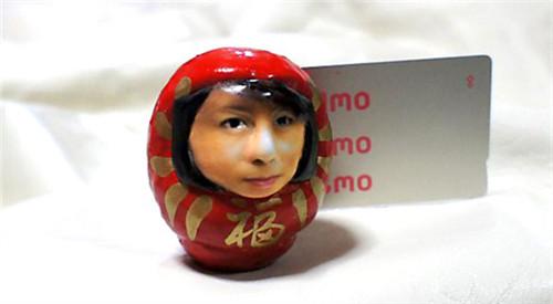 日本3D人脸不倒翁热卖 可据顾客照片订制