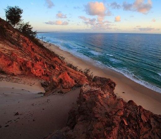 世界各地不同颜色的沙滩