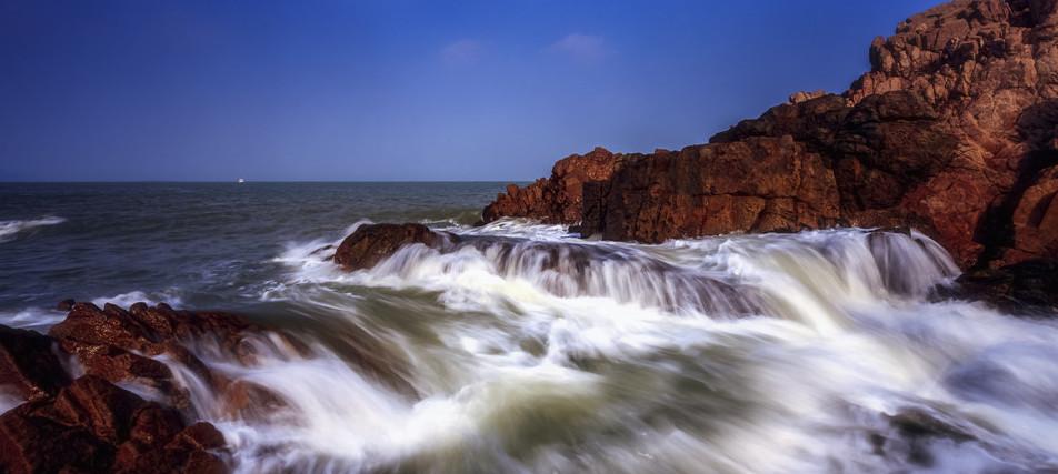 夏天到青岛来看海,摄影师带你领略水域密境!