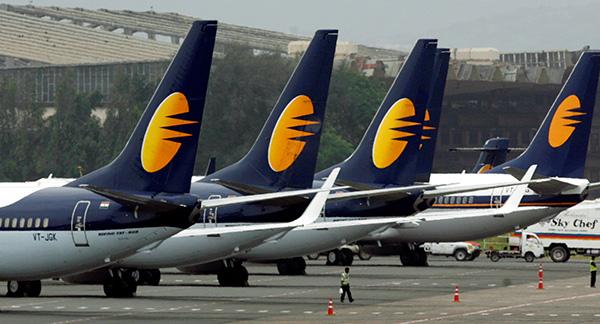 印度捷特航空正副驾驶空中吵架 飞机一度无人驾驶