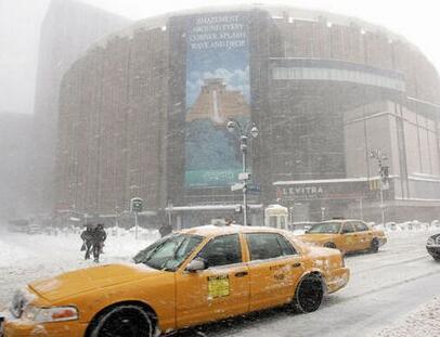 纽约暴风雪后11天 机场仍有旅客行李下落不明