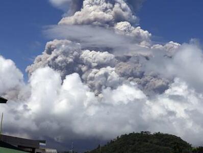 菲律宾马荣火山再度喷发 警戒级别升至四级
