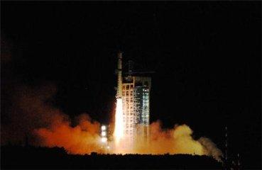 """中国首颗高通量通信卫星""""上岗"""" 旅客有望空中上网"""