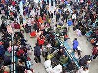 发送旅客3.5万人次,青岛长途站今迎节前高峰