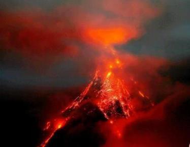 菲律宾马荣火山逐渐恢复平静 当局调降警戒级别