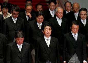 连番丑闻影响 安倍内阁支持率数月来首次跌破五成